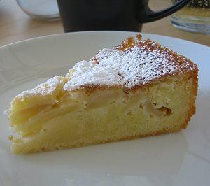 کیک سیب دارچینی