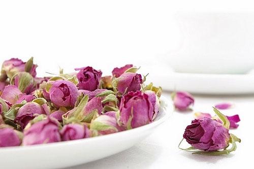 خواص درمانی گل سرخ