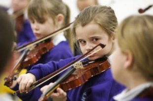چگونه کودکان را با موسیقی آشتی دهیم