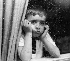 sad boy in rain1 237x205 - هرگز بلافاصله پس از یک حادثه دلخراش، نخوابید