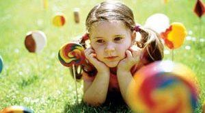 ba2077 300x165 - رشد عاطفی کودکان به چه ترتیبی است