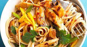 20157215594210a 300x165 - طرز تهیه ی سوپ نودل و سبزی ها با مرغ آسیایی