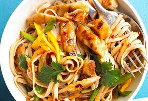 20157215594210a 300x205 - طرز تهیه ی سوپ نودل و سبزی ها با مرغ آسیایی