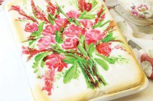 390772 345 310x205 - طرز تهیه ی کیک پسته با روش تزئیین