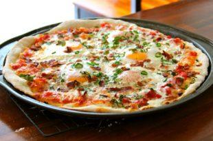 399760 803 310x205 - طرز تهیه ی پیتزای تخم مرغی
