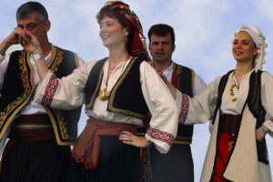 en5560 - آداب و رسوم مردم یونان